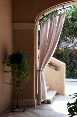 filter_Bronze Curtain Rod
